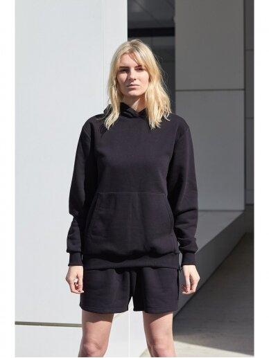 Moteriškas juodas džemperis su gobtuvu 4