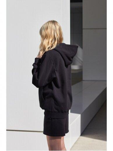 Moteriškas juodas džemperis su gobtuvu 6