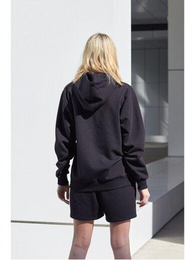 Moteriškas juodas džemperis su gobtuvu 7