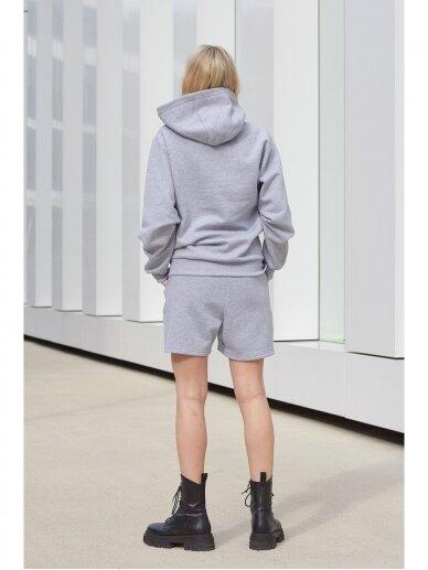 Moteriškas pilkas džemperis su gobtuvu 2