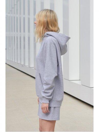 Moteriškas pilkas džemperis su gobtuvu 6