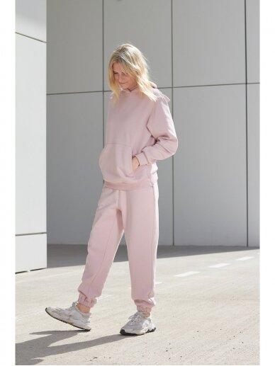 Moteriškas rožinis džemperis su gobtuvu 2